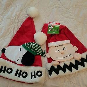 Peanuts santa hats